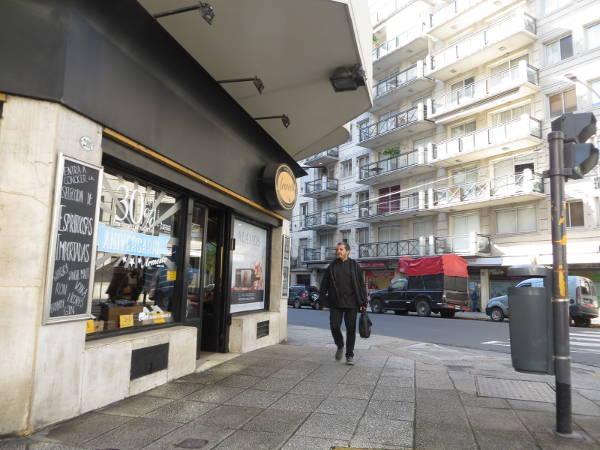 IMG_7206-pacheco-de-melo-street-and-uriburu-street-shop