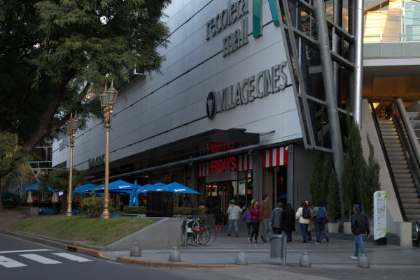 Recoleta mall entrance and Village Cinema Center