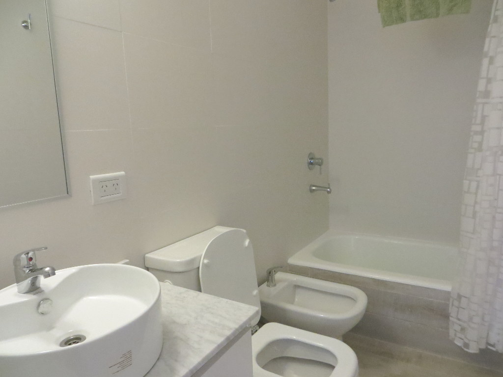 Complete restroom / bathroom