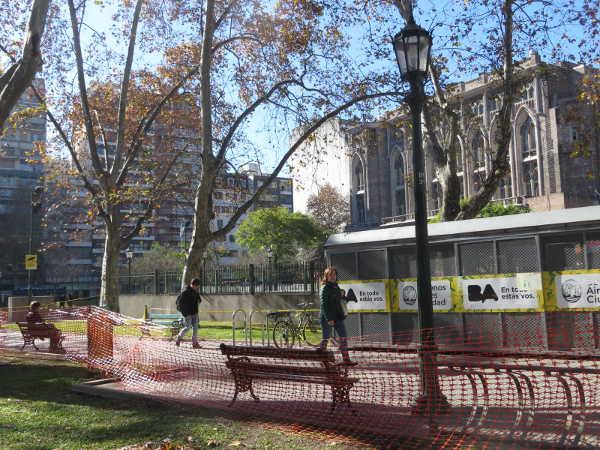 Plaza Teniente General Emilio Mitre bicycle depot.