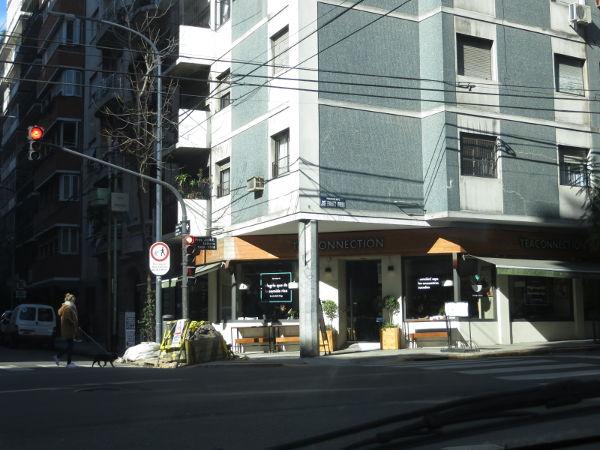 Tea connection Pacheco de Melo and Uriburu streets