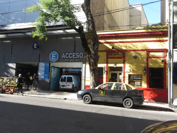 Closeup to the Recoleta Village Car parking entrance
