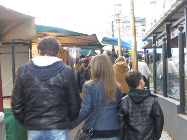 Many turists going through the flea market by the Buenos Aires Design