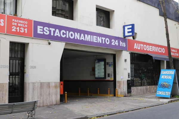 Car parking entrance on Pacheco de Melo street